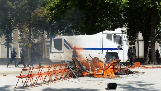 Proteste nach Tod von Festival-Besucher eskalieren