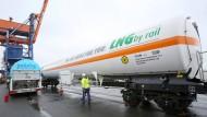 Hoffnungsträger im Energiemarkt: Transport von Flüssiggas im Hamburger Elbhafen