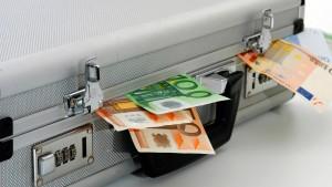 Bargeld, Banken und Betrüger