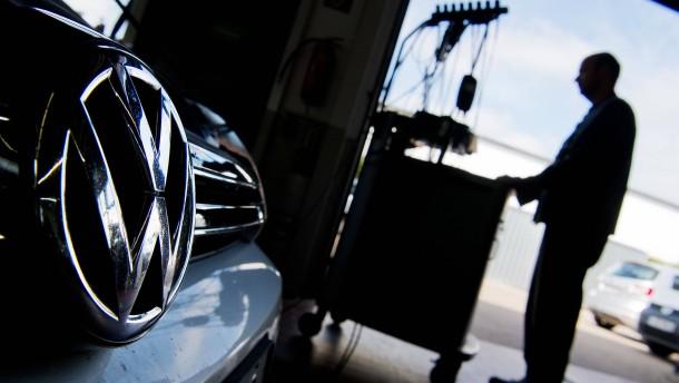 Gekündigter Ingenieur klagt sich bei VW ein