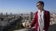 Seltenes Privileg: Payam Feili ist in Israel aufgenommen worden, hier schaut er über Tel Aviv.