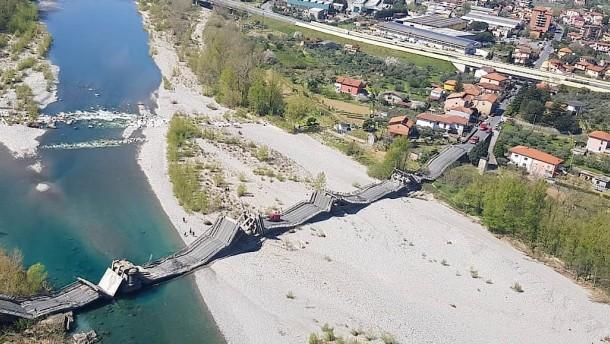 260-Meter-Brücke eingestürzt