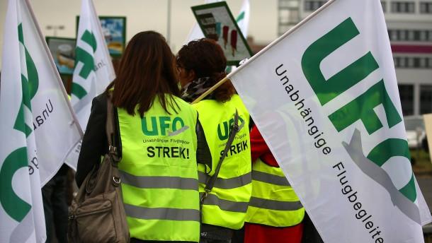 Kabinengewerkschaft weitet Lufthansa-Warnstreik aus