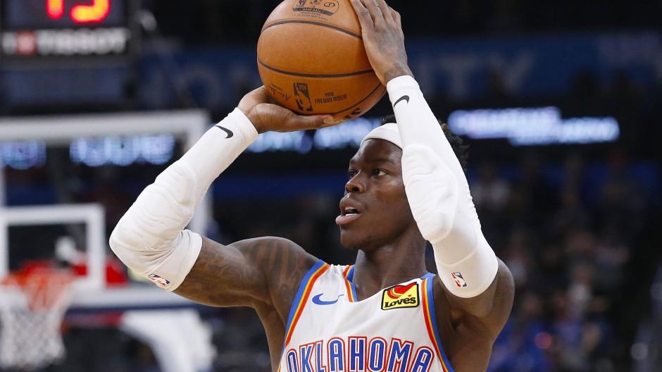 Die Play-offs im Blick: Dennis Schröder und Oklahoma City steigen an diesem Samstag wieder in die NBA ein.