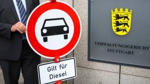 Gericht verlangt Diesel-Fahrverbote in Stuttgart