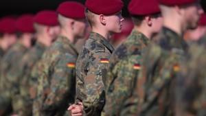 Mehr Verdachtsfälle wegen Rechtsextremismus in der Bundeswehr