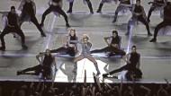 Nicht nur eine Showeinlage der Sängerin Lady Gaga gab es in der Halbzeitpause des diesjährigen Super Bowl zu sehen: Im Rahmen des Football-Spektakels  sendete Google in den Vereinigten Staaten einen Werbefilm über intelligente Lautsprecher. In vielen Haushalten aktivierte sich daraufhin das Gadget und plapperte munter drauf los.