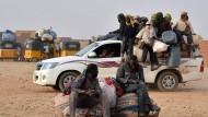 Tor zur Wüste: Migranten im nigrischen Agadez bereiten sich auf die Fahrt durch die Sahara nach Libyen vor.