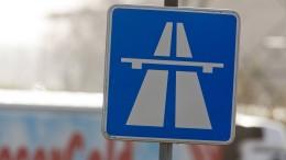Mysteriöser Fußgänger macht Autobahn unsicher