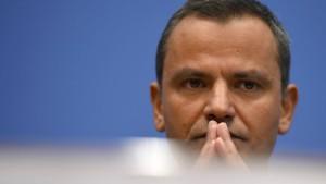 Edathy will SPD-Zwangsauszeit nicht hinnehmen