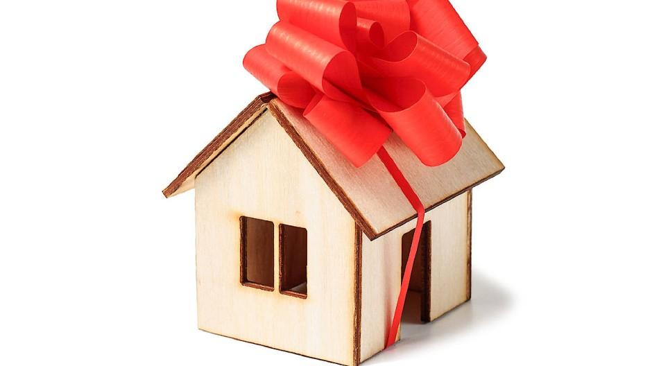 Ein geschenktes Haus spart Steuern.