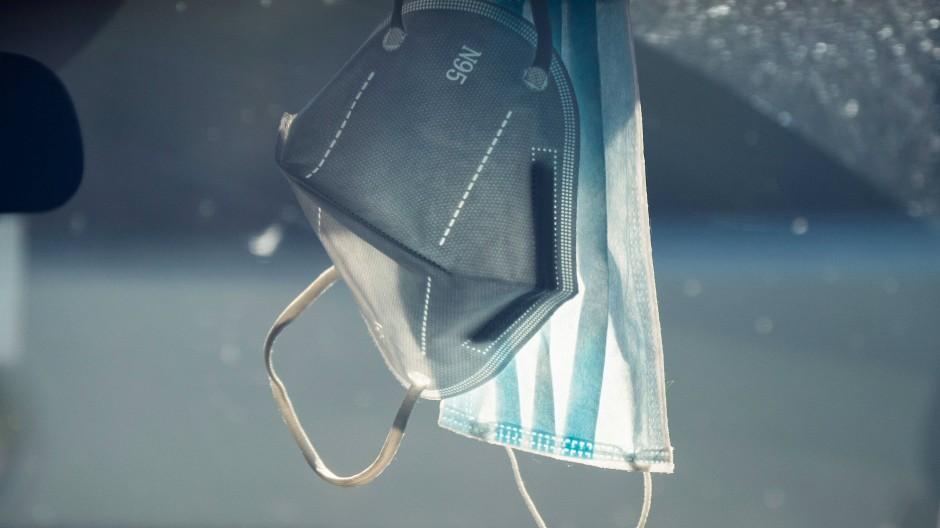 Kein erfolgreiches Geschäft in Zeiten der Lockerungen: Atemschutzmasken (Symbolbild).