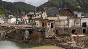 100 Tage nach der Flut: Ist der Wiederaufbau im Ahrtal fahrlässig?