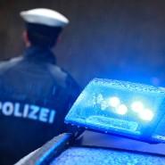 Die Polizei hat den Führerschein des 19 Jahre alten Fahrers, der in Seligenstadt in einen Verteilerkasten geprallt ist, sichergestellt.