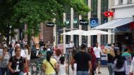 Hessische Einkaufsfreude: die Kirchgasse in Wiesbaden