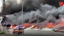 Großbrand in einem Industriepark in Spanien