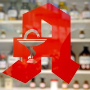 Während der Corona-Krise hat der Online-Handel für Medikamente zugelegt und so den Gang zur Apotheke ersetzt.