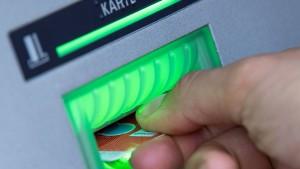 40 Prozent der Bankkunden zahlen zu hohe Gebühren