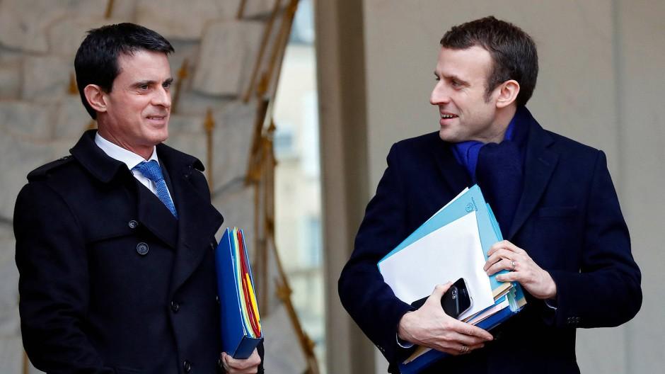 Ursprünglich wollte Manuel Valls (links) selbst bei der Präsidentschaftswahl antreten – er verlor die Vorwahl und unterstützt jetzt Emmanuel Macron.