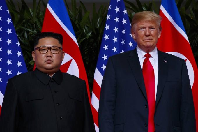 Kim Jong-un und Donald Trump beim Singapur-Gipfel 2018