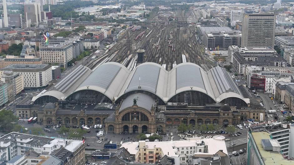 Eisenbahnknoten: Frankfurts Hauptbahnhof könnte künftig entlastet werden.