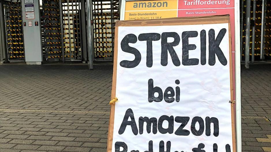 Streik in Bad Hersfeld: Nicht zum ersten Mal legen die Amazon-Mitarbeiter die Arbeit nieder (Archivbild).