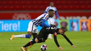 Leverkusen verpasst Sprung auf Platz zwei