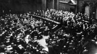 Eine Reichstagssitzung, 1917.