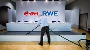 """Kommunalversorger wehren sich gegen """"Strom-Champions"""""""