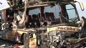 Zwölf Verletzte bei Unfall eines Reisebusses