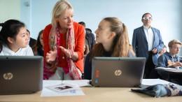 Hessens Digitalministerin wirbt für gemeinsame Projekte