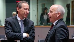 Lassen die Banker den Finanzminister hängen?