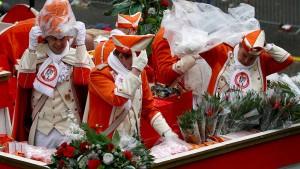 Mehrere Städte sagen Karnevalszüge ab