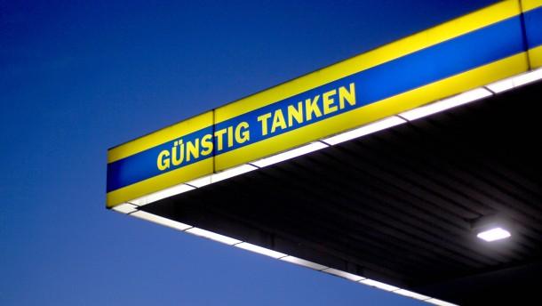 Pünktlich nach Ostern wird das Benzin wieder billiger