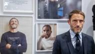 """""""Karl hat mir gezeigt, wie man sich mit Mode besser fühlt"""": Sébastien Jondeau präsentiert in Florenz seine erste eigene Kollektion."""