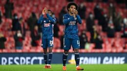 Arsenal stürmt bei Fan-Rückkehr zum Gruppensieg