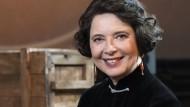 So freundlich, wie eine Moderatorin nur sein kann: Isabella Rossellini