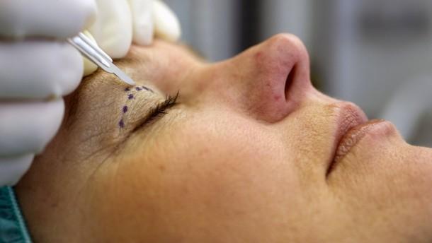 Schönheits-OPs in Corona-Pandemie gefragter