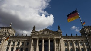 Umfrage sieht AfD im Bundestag