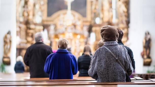 Kommunikation und Kirchensteuer könnten helfen