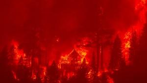 Waldbrände bedrohen Urlaubsgebiet