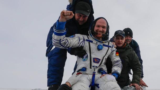 Alexander Gerst wieder zurück auf der Erde