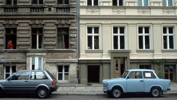 annett gr schner walpurgistag der blocksberg liegt am kollwitzplatz feuilleton faz. Black Bedroom Furniture Sets. Home Design Ideas