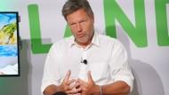 Der Ko-Vorsitzende der Grünen Robert Habeck Ende Juni