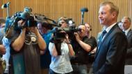 NRW-Innenminister sagt zu Kölner Silvester-Vorfällen aus