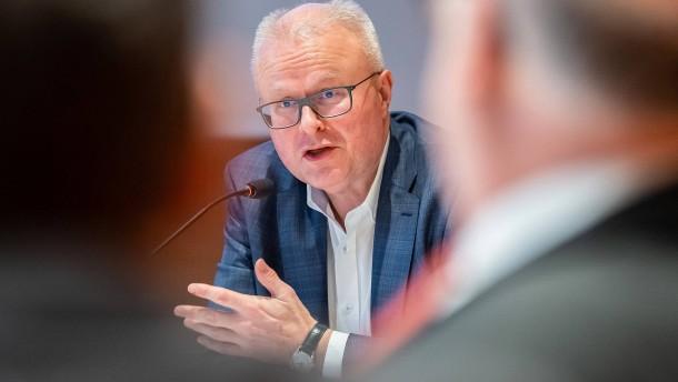 Trauer um Hessens Finanzminister Thomas Schäfer