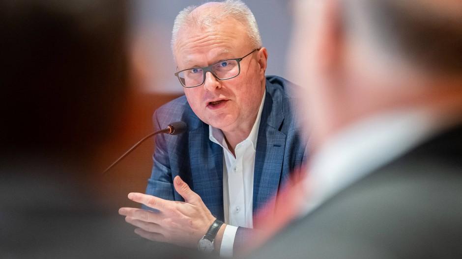 Hessens Finanzminister Thomas Schäfer im März