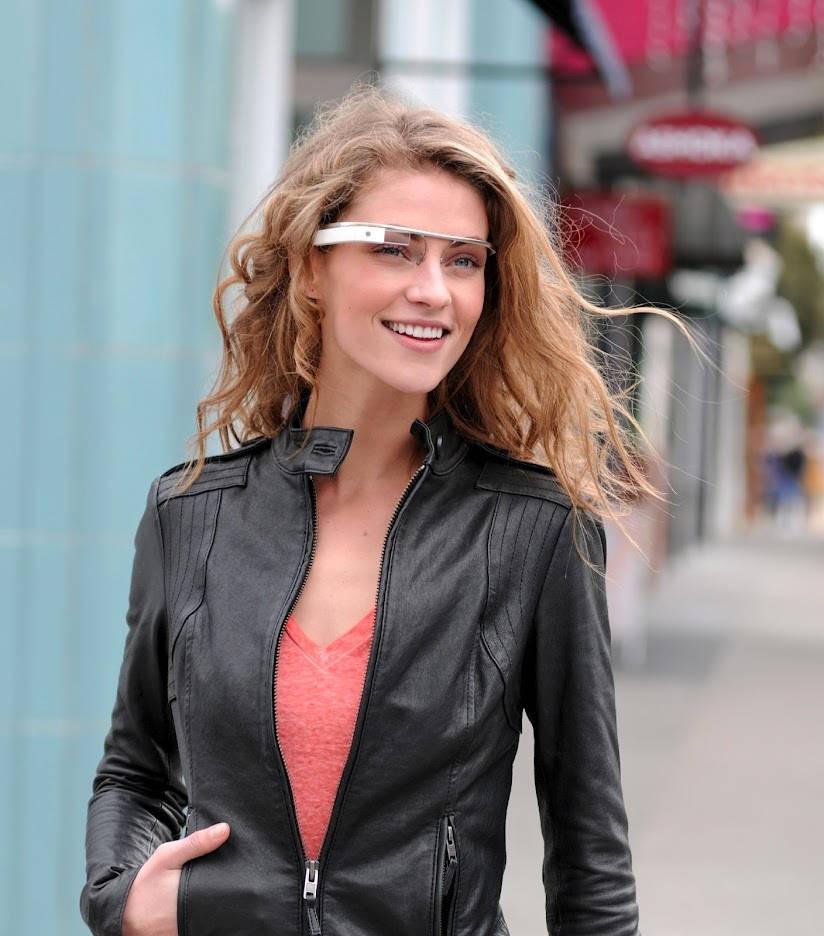 """Die Welt durch die Brille von Google betrachten: Die Brille """"Google Glass"""" macht es möglich."""