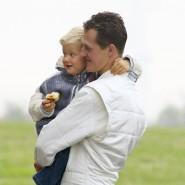 Der Apfel fällt nicht weit vom Stamm! Es keimt die Hoffnung auf, dass Mick Schumacher an die Erfolge des Vaters anknüpfen kann. (Bild von 2002)