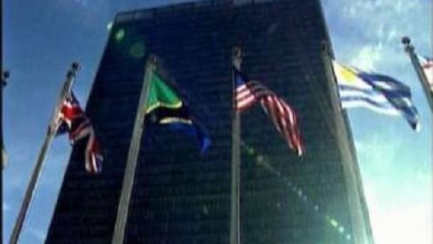 Kim Jong-il reizt die Welt weiter
